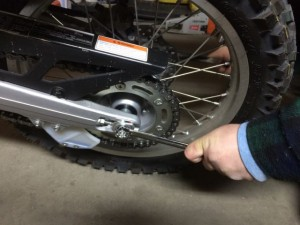 3-crf250l-rear-wheelnut