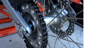 cleaniing-your-motorcycle-chain